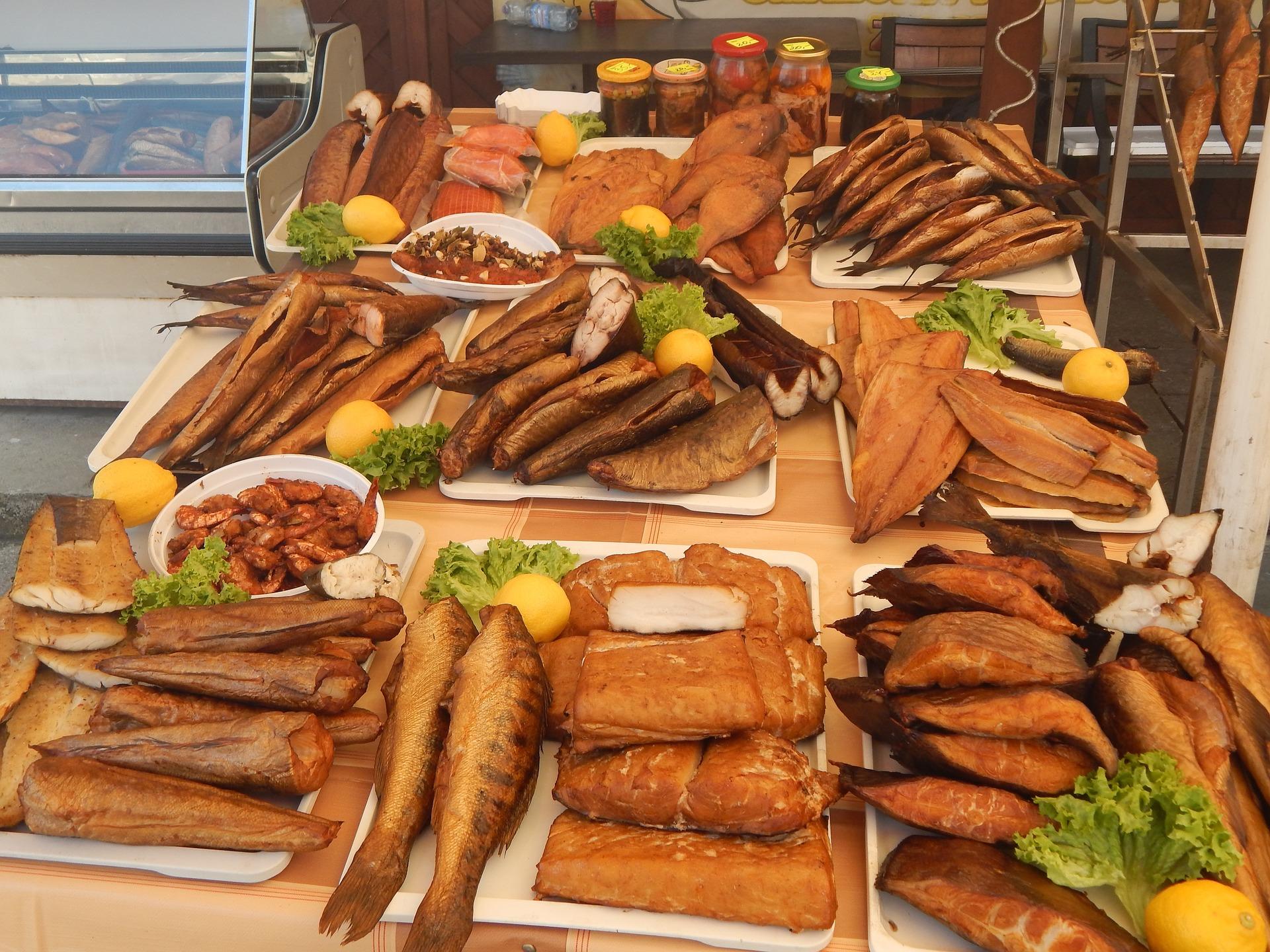 Ryby wędzone, makrela, łosoś, pstrąg i inne